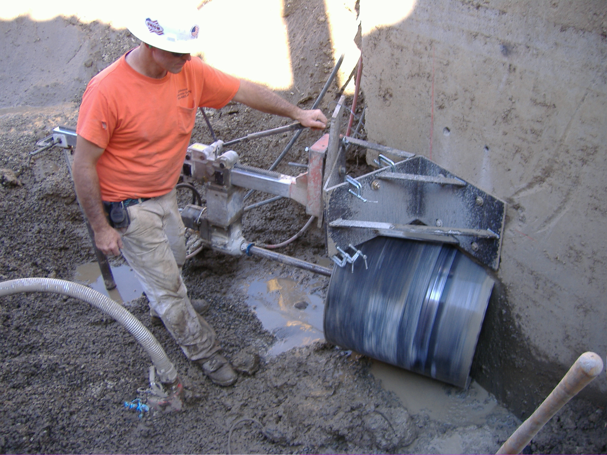 Cutting Holes In Concrete : Johnson concrete sawing demolition inc elk grove